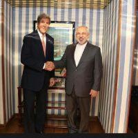 هدیه ظریف به کری و سعی مسئولان ایرانی بر تحریف این موضوع